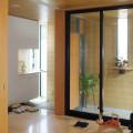 リビングと玄関とアウタールームが一体化